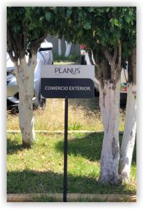 Planus Branding Estacionamiento