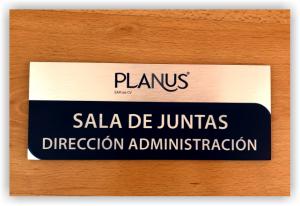 Planus Branding personalizadores puerta